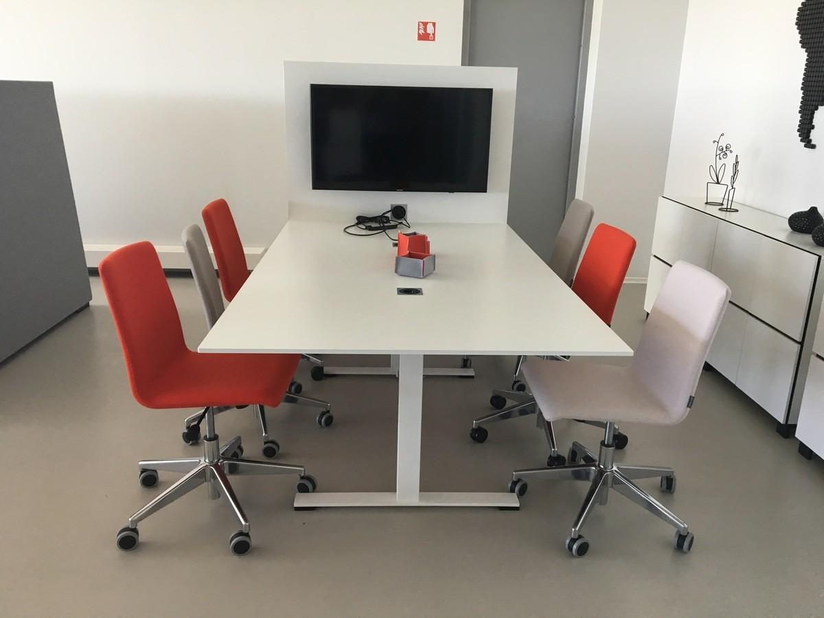 JAZZ Столы для заседаний