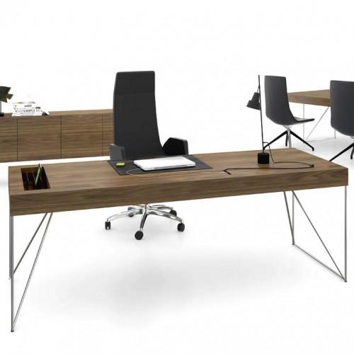 Анализ офисного пространства и планирование расположения мебели